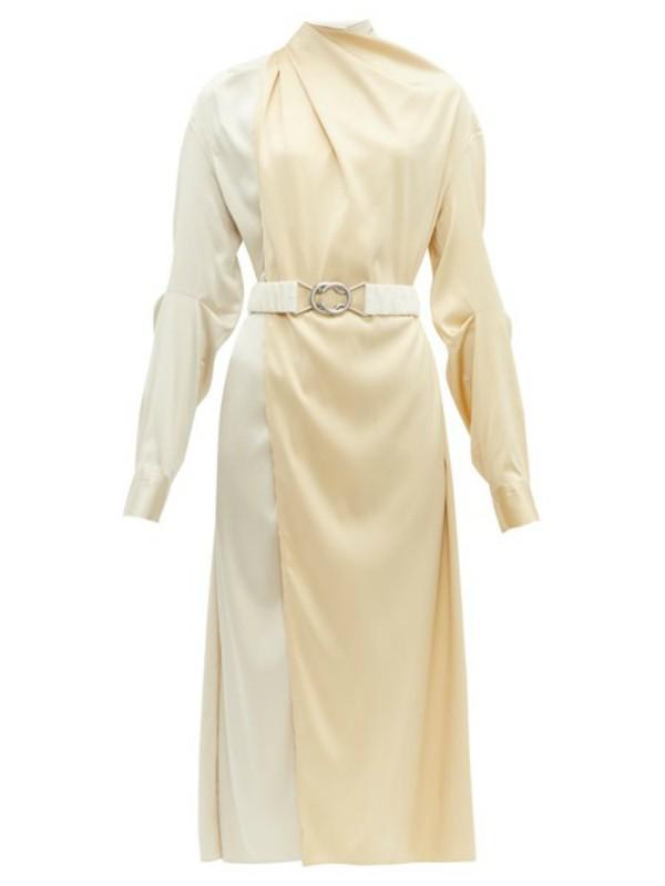 sta-obuci-ako-ste-pozvani-na-vencanje-15-najlepsih-haljina (1).jpg