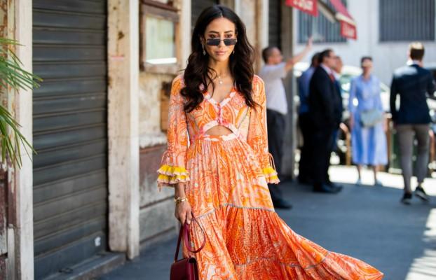 streetstyle-kako-devojke-nose-narandzaste-haljine (9).jpg