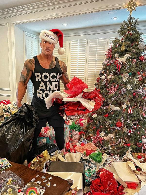 Seksi Deda Mraz: Dvejn Džonson sprema poklone - GRAZIA Srbija