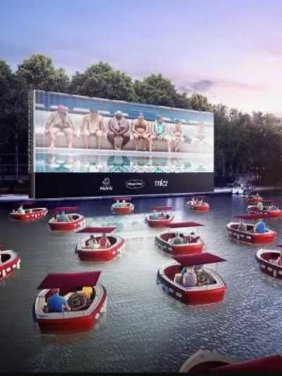 parizani-ce-gledati-filmove-na-brodovima-koji-plutaju-senom (1).jpg